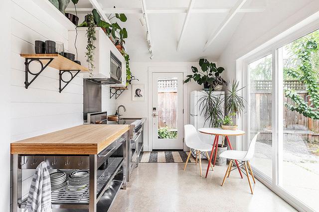 Căn bếp nhỏ xinh xắn nhờ nội thất phù hợp
